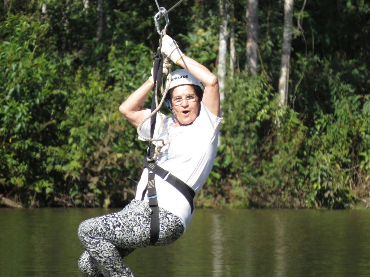 Dona Eunice, de 74 anos, curte dia de aventura no Canela de Ema